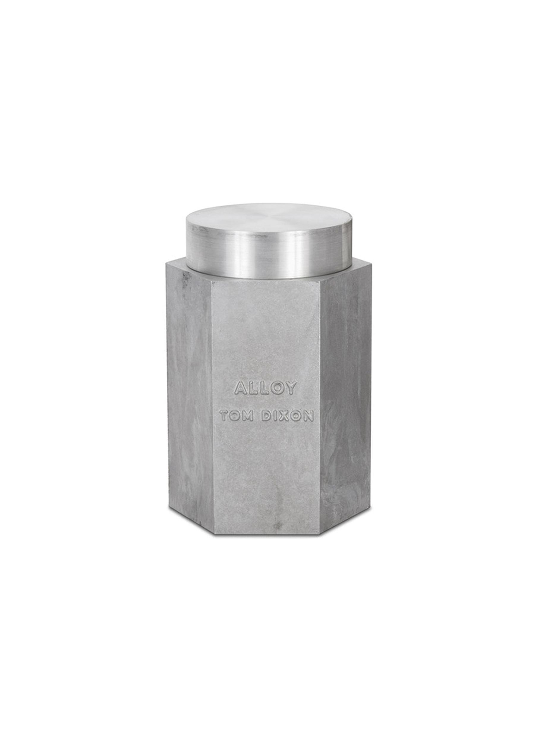 Alloy large scented candle by Tom Dixon