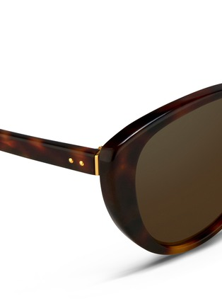 Detail View - Click To Enlarge - Linda Farrow - Tortoiseshell effect acetate cat eye sunglasses