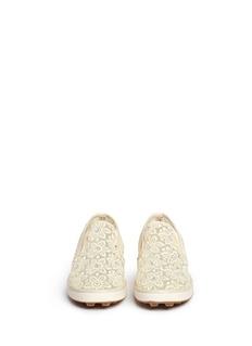 STUART WEITZMANARIANA儿童款花卉蕾丝平底便鞋