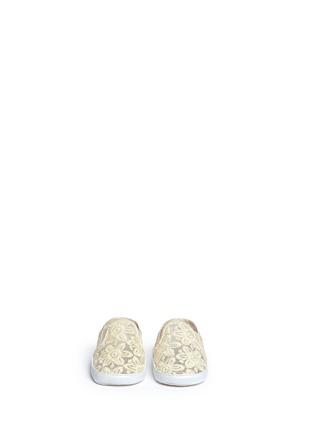 STUART WEITZMAN-VANCE婴儿款花卉蕾丝平底鞋