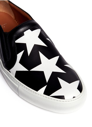Detail View - Click To Enlarge - Givenchy - 'Skate Basse New' star print leather skate slip-ons