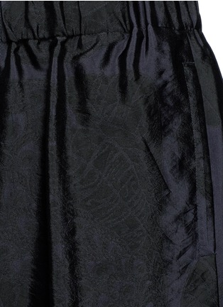 Detail View - Click To Enlarge - Dries Van Noten - Peacock jacquard elastic waist shorts