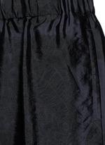 Peacock jacquard elastic waist shorts