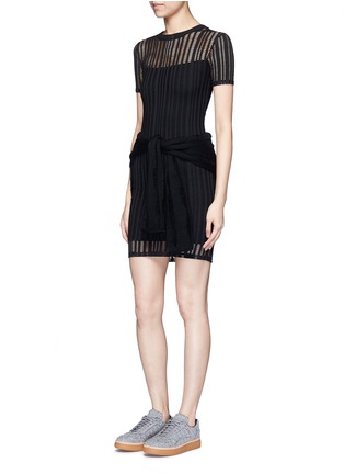 模特儿示范图 - 点击放大 - T BY ALEXANDER WANG - 孔眼提花单色混棉连衣裙