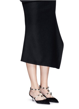 模特儿示范图 - 点击放大 - RENÉ CAOVILLA - 人造珍珠仿水晶花卉搭带尖头低跟鞋