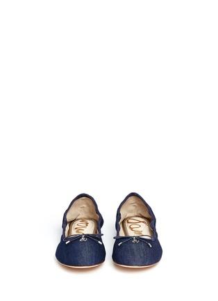模特儿示范图 - 点击放大 - SAM EDELMAN - 牛仔蝴蝶结芭蕾平底鞋