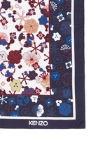 'Tanami Flower' print silk scarf