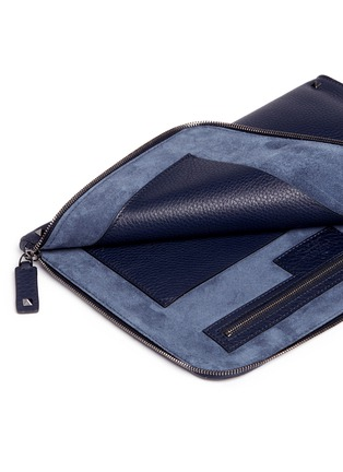 Detail View - Click To Enlarge - Valentino - 'Rockstud' leather zip pouch