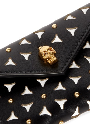 Detail View - Click To Enlarge - Alexander McQueen - Skull floral lasercut stud envelope card holder