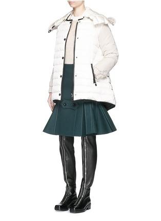 模特儿示范图 - 点击放大 - MONCLER - ROZES拼色连帽羽绒夹克