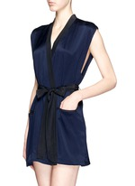 'Amour' sleeveless silk robe
