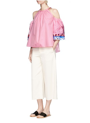 Figure View - Click To Enlarge - Peter Pilotto - Embroidered trim poplin cold shoulder top