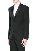 Satin Madonna collar wool tuxedo suit