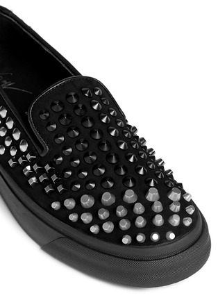 Detail View - Click To Enlarge - Giuseppe Zanotti Design - 'Camoscio' multi stud suede slip-ons