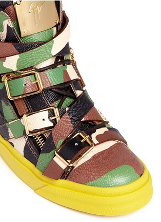Detail View - Click To Enlarge - Giuseppe Zanotti Design - 'Farwest' camo print multi buckle leather sneakers