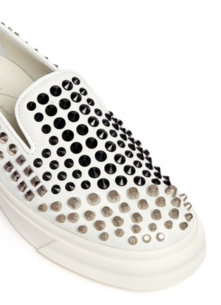 Detail View - Click To Enlarge - Giuseppe Zanotti Design - 'London' contrast stud suede slip-ons
