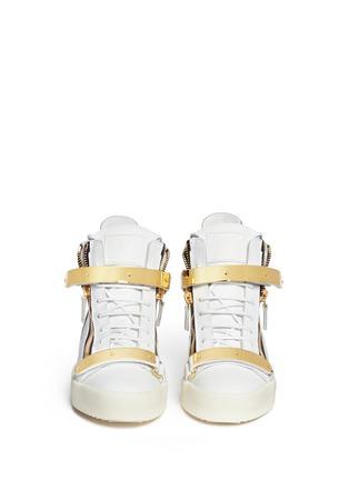 模特儿示范图 - 点击放大 - GIUSEPPE ZANOTTI DESIGN - 金属拼贴真皮运动鞋