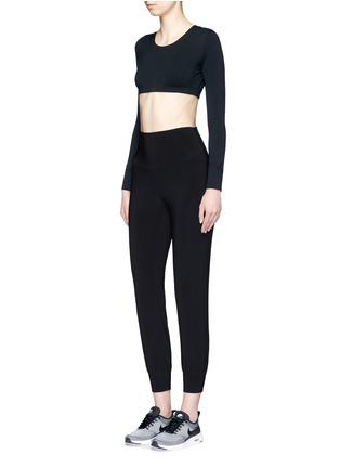 模特儿示范图 - 点击放大 - NORMA KAMALI - GO修身弹力运动裤