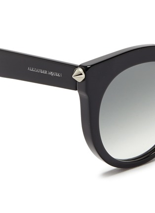 Detail View - Click To Enlarge - Alexander McQueen - Piercing bar stud acetate round sunglasses