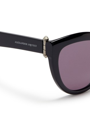 Detail View - Click To Enlarge - Alexander McQueen - Piercing hinge acetate cat eye sunglasses