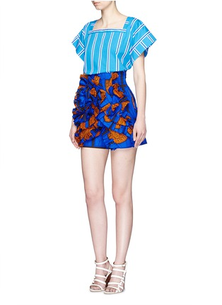 Figure View - Click To Enlarge - STELLA JEAN - 'Sfoglina' tribal print ruffle appliqué shorts