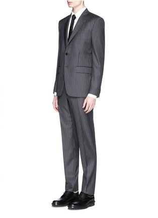 模特儿示范图 - 点击放大 - GIVENCHY - 细竖纹羊毛西服套装