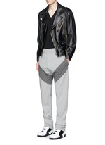 Diagonal panel jogging pants