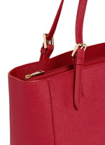 York' buckle tote