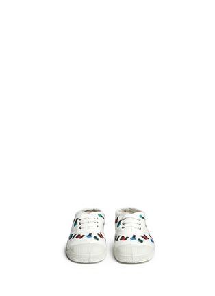 模特儿示范图 - 点击放大 - BENSIMON - 中性款多彩字母印花帆布童鞋