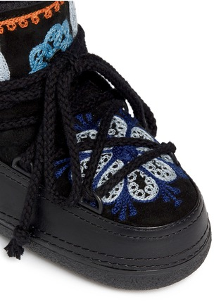 Detail View - Click To Enlarge - INUIKII - ''Fokelore' suede embroidery sheepskin shearling kids boots