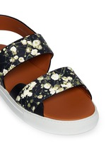 Baby's breath floral print leather sandals