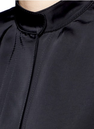 Detail View - Click To Enlarge - Victor Alfaro - Drop shoulder satin tunic shirt