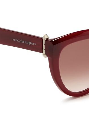 Detail View - Click To Enlarge - Alexander McQueen - Piercing hinge acetate cat eye sunglasses