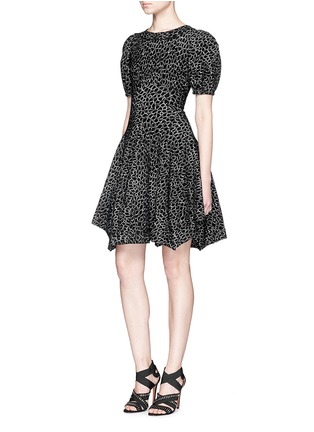 Figure View - Click To Enlarge - Alaïa - 'Asteroide' abstract pattern flare dress