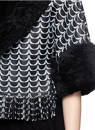Detail View - Click To Enlarge - Alaïa - Oversize bumpy arch fringe hem shearling cropped jacket