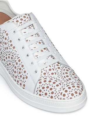 Detail View - Click To Enlarge - Alaïa - Geometric lasercut leather sneakers