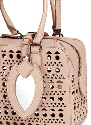 Detail View - Click To Enlarge - Alaïa - 'Vienne' lasercut leather crossbody bag