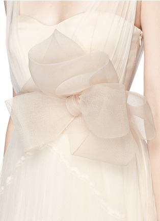 Detail View - Click To Enlarge - DELPOZO - Made-to-Order<br/><br/>Sweetheart neck flower brooch silk tulle bridal gown