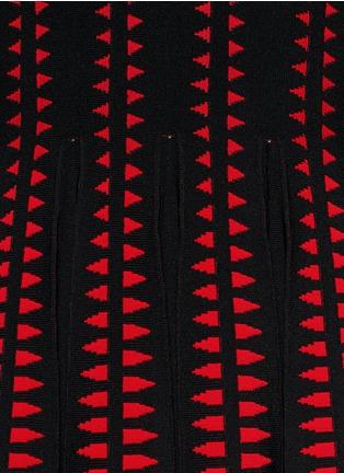 Detail View - Click To Enlarge - Alexander McQueen - Arrow knit dress