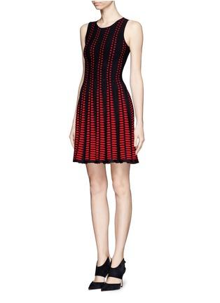 Figure View - Click To Enlarge - Alexander McQueen - Arrow knit dress