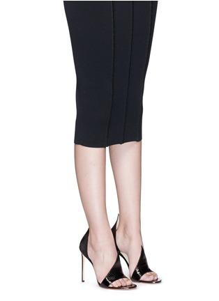 模特儿示范图 - 点击放大 - FRANCESCO RUSSO - 蛇皮搭带绒面真皮高跟凉鞋