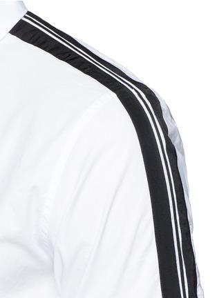 Detail View - Click To Enlarge - Alexander McQueen - 'Brad Pitt' grosgrain stripe stud cotton shirt