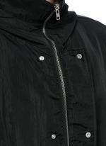 Crinkled tech cotton hood parka