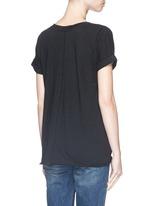 Chest pocket V-neck cotton T-shirt