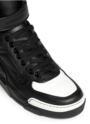 Detail View - Click To Enlarge - Givenchy - 'Tyson' calf leather sneakers