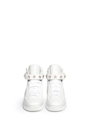 模特儿示范图 - 点击放大 - GIVENCHY - 'Tyson' star stud high top sneakers