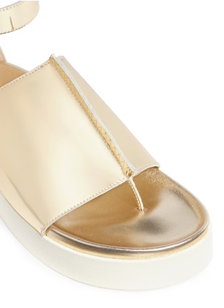 Detail View - Click To Enlarge - Ellery - 'Rhyme' peaked vamp mirror leather flatform sandals