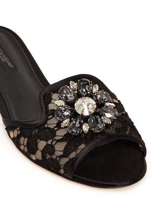 Detail View - Click To Enlarge - Dolce & Gabbana - 'Bianca R' jewelled Taormina lace slippers