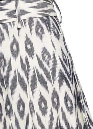 Detail View - Click To Enlarge - alice + olivia - 'Scarlet' ikat print flutter shorts