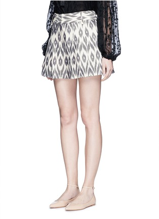 Front View - Click To Enlarge - alice + olivia - 'Scarlet' ikat print flutter shorts